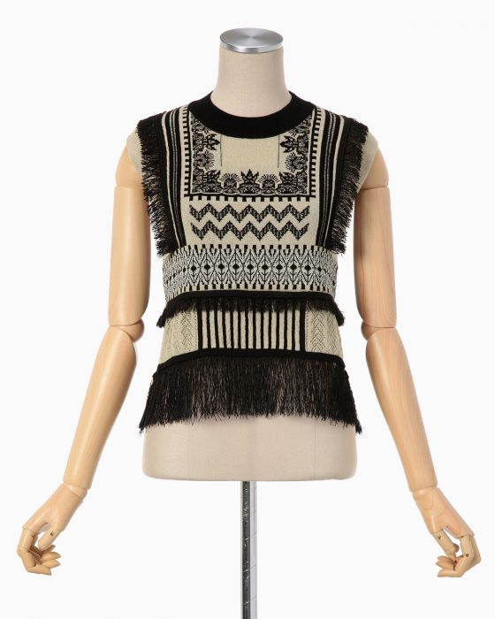 mame Mixed Fabric Graphical Pattern Knit