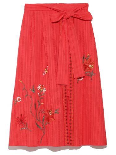 Lily Brown ラップ刺繍ショートパンツ