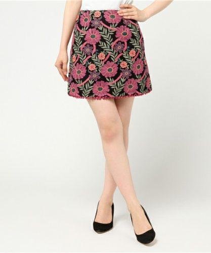 REDYAZEL ヴィンテージフラワー刺繍ミニスカート