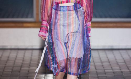 【笑いの勇者】ホラン千秋さん着用の衣装のブランドは?