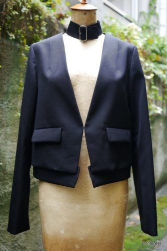 LOKITHO 含浸加工されたウール生地のジャケット(ブラック)
