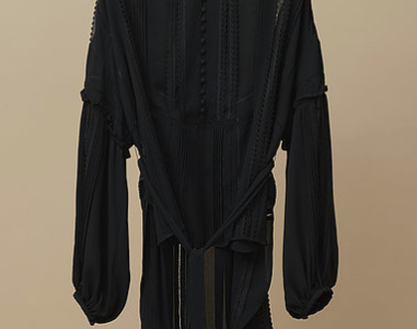 【しゃべくり007】上白石萌音の衣装ブランドは?(黒ブラウス・スカート)【2月26日】