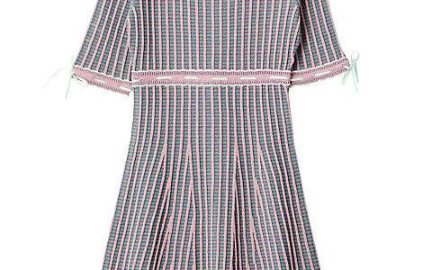 【情熱大陸 5/20】藤田ニコル(にこるん)の衣装ブランドは?